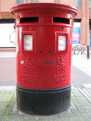 Ipswich Historic Lettering: Lloyds Ave Pillar box 2