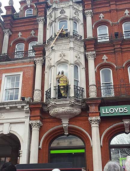 Ipswich Historic Lettering: Lloyds Bank column 1