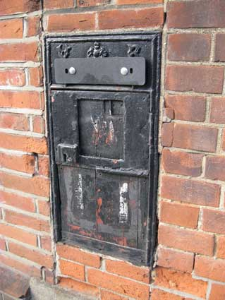Ipswich Historic Lettering: Defunct post box